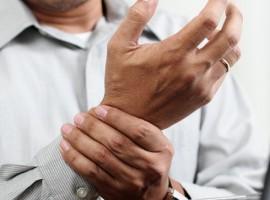 Самые эффективные и простые средства народного лечения ревматоидного артрита. Стоит ли обращаться к врачу?
