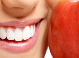 Рассмотрим как правильно вылечить зубы целебными средствами в домашних условиях. Можно ли обойтись без врача?